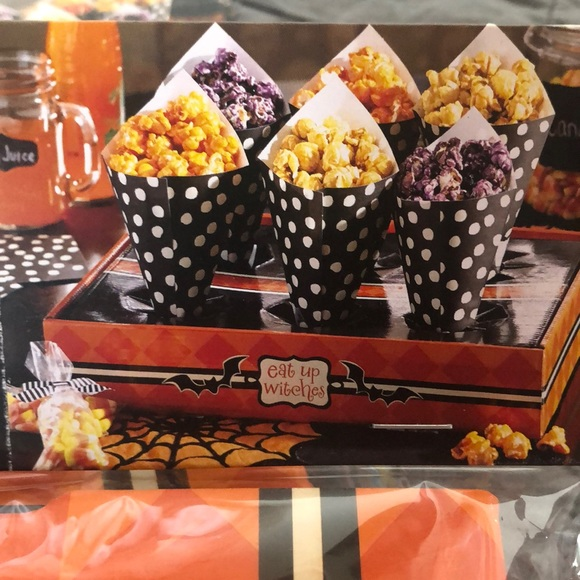 Pier 1 Other - Halloween Paper Cone Set set of 2 Holds 12